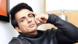 Bollywood Actor Sonu Sood Helps Migrant Workers To Reach Home