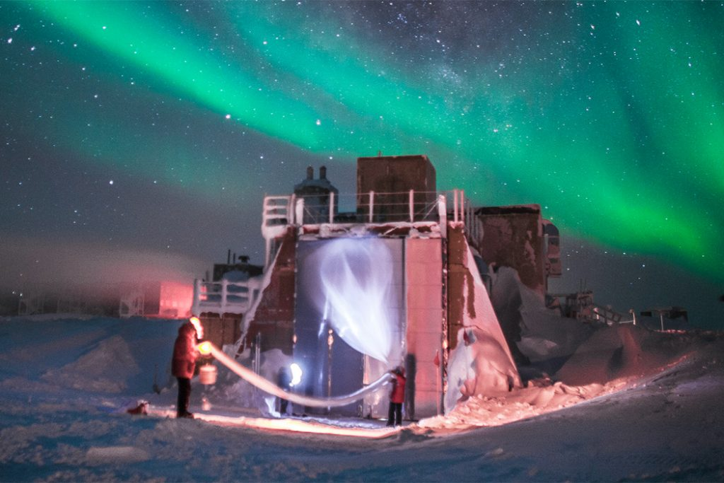 Largest Ozone Hole Ever Recorded over the North Pole