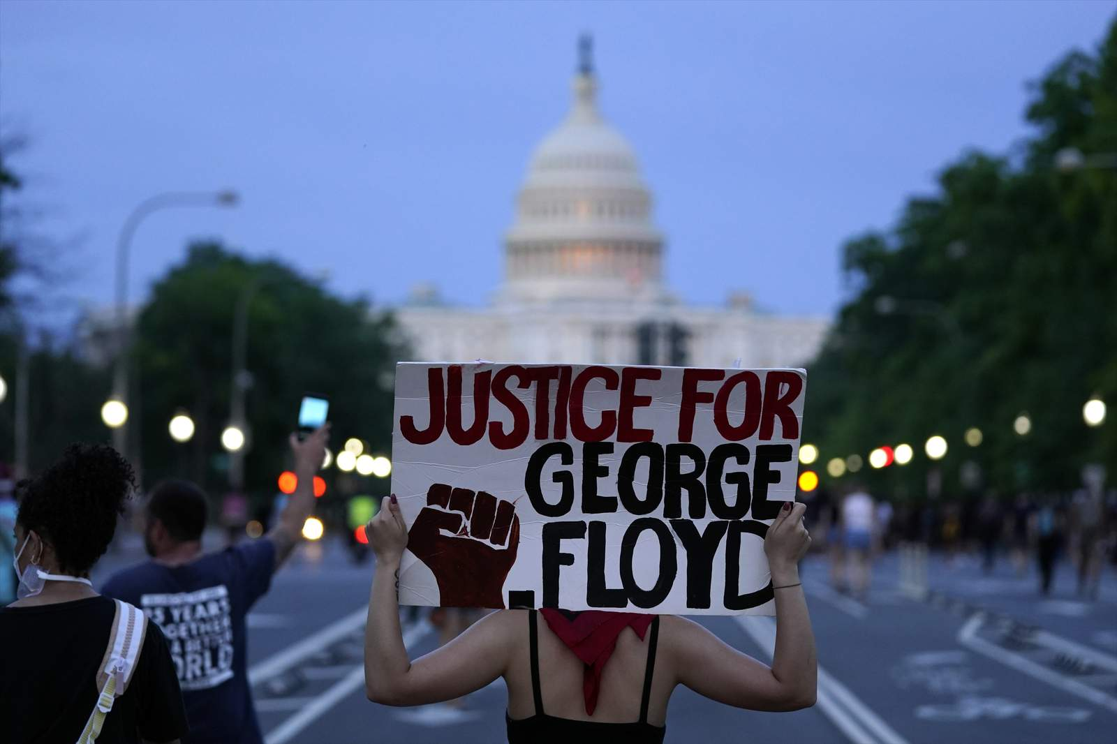 Powerful Images From George Floyd Death